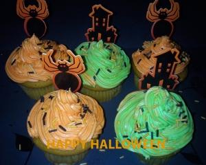 halloween cupcakes2012